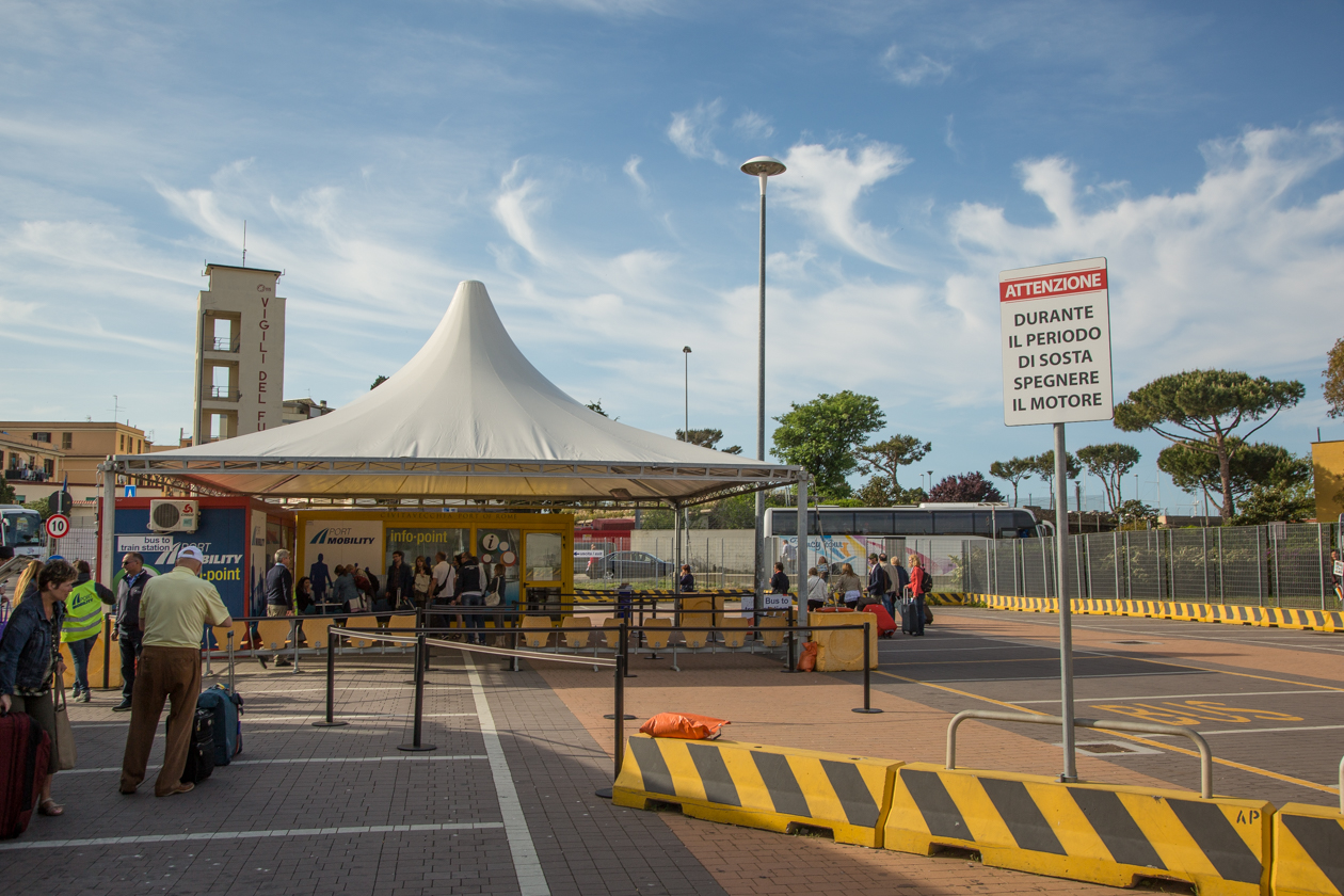 eerste-cruise-deel8-busstation
