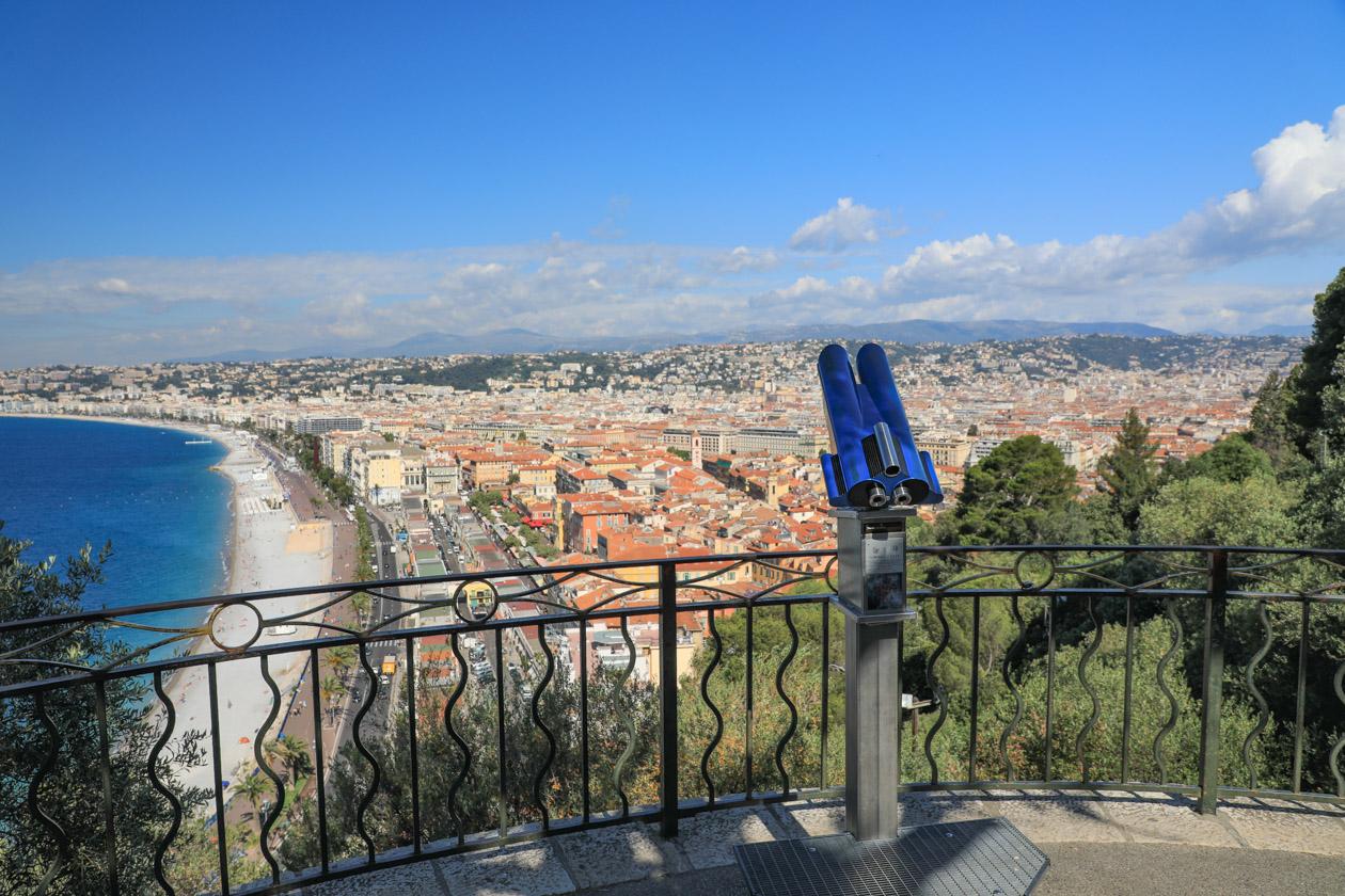 Uitzicht over Nice en de Promenade des Anglais