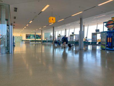 Surrealistische beelden op luchthavens